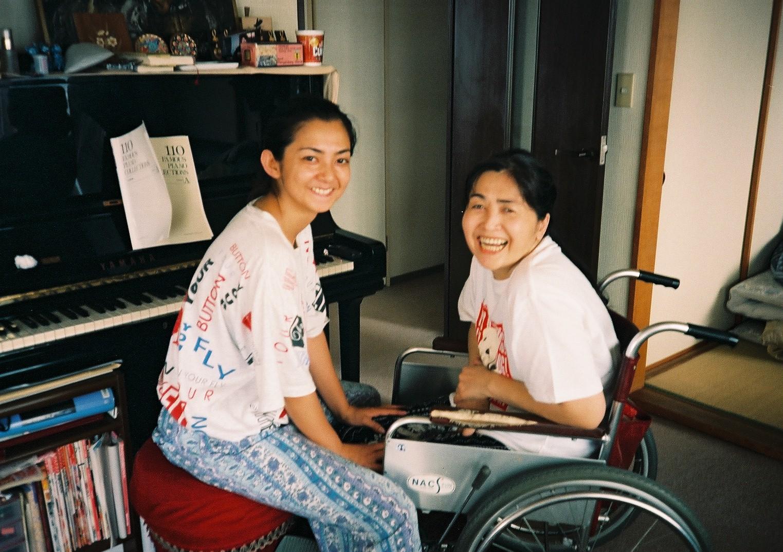 自宅で母と私