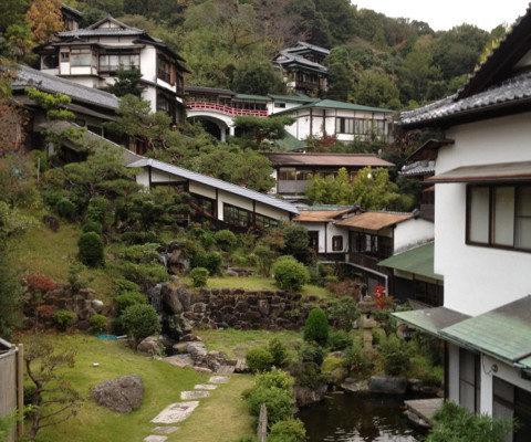 現代温泉旅館事情(上)-または、木造宿への愛について