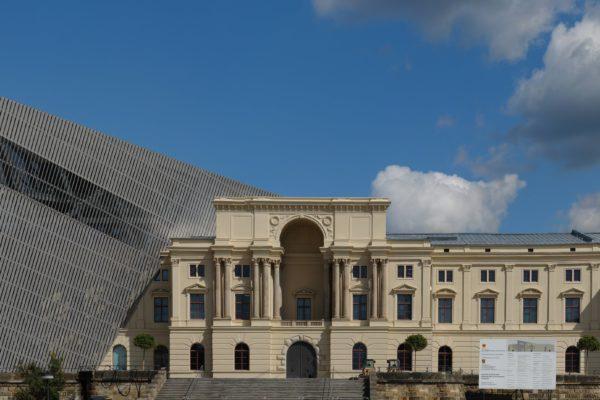 ドレスデン軍事史博物館とゲーテ・インスティトゥート