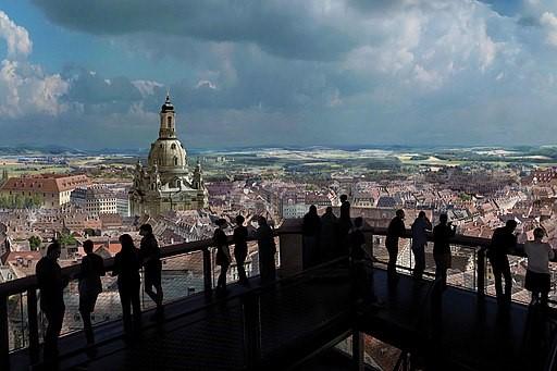 ヤデガー・アジシとドレスデンの風景